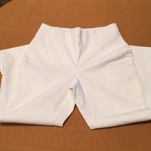 So Slimming By Chico's Crop 0.5